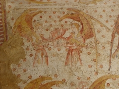 Eglise paroissiale Notre-Dame - Français:   Fresques ornant les voûtes de la chapelle Sainte-Anne de l\'église Notre-Dame de Cossé-en-Champagne (53). Partie est. Anges musiciens au cahier et au rebec.