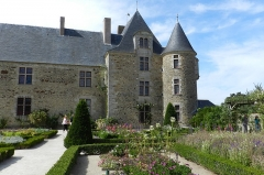 Château de la Chabotterie - This building is inscrit au titre des monuments historiques de la France. It is indexed in the base Mérimée, a database of architectural heritage maintained by the French Ministry of Culture,under the reference PA00110264 .