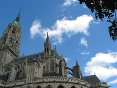 Cathédrale Notre-Dame - This building is indexed in the Base Mérimée, a database of architectural heritage maintained by the French Ministry of Culture,under the reference PA00111042 .