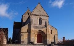 Eglise - Français:   Jort (Normandie, France). L\'église Saint-Gervais-et-Saint-Protais.
