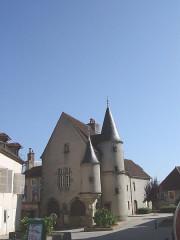 Maison - Français:   Arnay-le-Duc