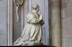 Cathédrale Saint-Bénigne -  La cathédrale Sainte-Bénigne à Dijon en Côte d'Or. Tombeau de Marguerite Brulart, femme du président Legoux de la Berchère.