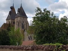 Eglise Saint-Pierre - Français:   Clochers de l\'église Saint-Pierre à Varzy (Nièvre).