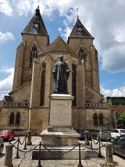 Eglise Saint-Pierre - Français:   Dupin par Emile Boisseau, Varzy (58).