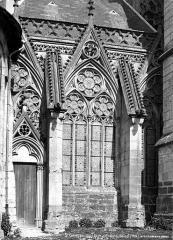Eglise et chapelle -