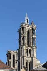 Ancienne cathédrale, actuellement église Notre-Dame, et cloître - Deutsch: Osttürme der Kathedrale Notre-Dame von Laon, Picardie, Frankreich