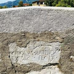 Pont dit le Pont Vieux - English: The inscription on the old bridge in Cluses