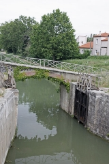 Canal du Midi : écluses de Fonsérannes -  This lock closed the forebay leading to the Port Notre-Dame lock on the Orb, which was neutralized after the construction of the New Bridge