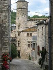 Maison du Bailli ou «manoir Toulouse-Lautrec» à Boussagues - Français:   La Tour-sur-Orb (Hérault) - Boussagues - maison du bailli, 16° siècle