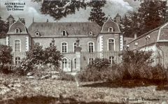 Château - This building is indexed in the base Mérimée, a database of architectural heritage maintained by the French Ministry of Culture,under the reference PA52000021 .