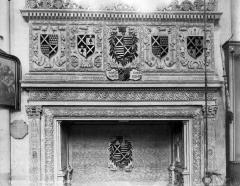Eglise - Français:   1575  1860 (restauration)  Photographie de Robert, Paul (1866-1898)
