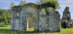 Eglise abbatiale de Blanchefosse (restes) - Deutsch:   Kloster Bonnefontaine (Abbaye de Bonnefontaine) Blanchefosse-et-Bay 02