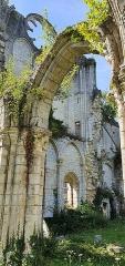 Eglise abbatiale de Blanchefosse (restes) - Deutsch:   Kloster Bonnefontaine (Abbaye de Bonnefontaine) Blanchefosse-et-Bay 09
