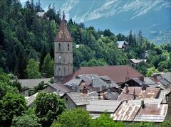 Eglise paroissiale Saint-Martin - Français:   L\'église de style gothique provençal ( entre l\'art roman et gothique ) date du 17° siècle.