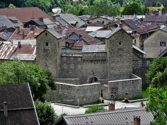 Enceinte fortifiée de la ville - Français:   Porte de Savoie (au nord), de l\'ensemble fortifié de Colmars, Alpes de Haute-Provence, Provence-Alpes-Côte d\'Azur, France
