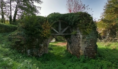 Ancienne Porte de ville - Français:   Façade nord de la Porte des Anglais à Sore (Landes)