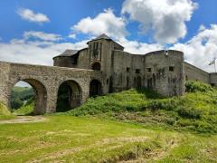 Vieux Château de Mauléon - Euskara:   Mauleko gaztelua