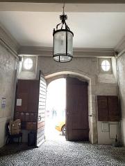 Ancien Hôtel de Peyré ou maison dite de Sully - Français:   Porte cochère de l\'hôtel de Peyre