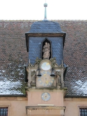 Grandes Boucheries - Français:   Alsace, Bas-Rhin, Molsheim, Ancien siège de corporation des bouchers dit Metzig (1607), place de l\'Hôtel-de-Ville (PA00084794, IA67006169).  Horloge, statues et cloches (XVIe-XVIIe):       This object is indexed in the base Palissy, database of the French furniture patrimony of the French ministry of culture,under the referenceIM67009729. беларуская (тарашкевіца)| brezhoneg| català| Deutsch| English| español| suomi| français| magyar| italiano| македонски| Plattdüütsch| português| українська| +/−  Statue \