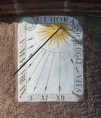 Tour des Voleurs - Français:   Cadran solaire de la tour des voleurs à Ammerschwihr (Haut-Rhin, France).