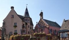 Ancien château impérial dit de Saint-Léon-Pfalz, ancien château des évêques de Strasbourg - Français:   Château des comtes d\'Eguisheim et chapelle Saint-Léon à Eguisheim (Haut-Rhin, France).