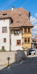 Maison - English:   Building at 4 rue Salzmann in Ribeauvillé, Haut-Rhin, France