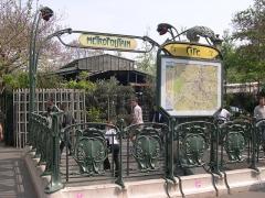 Métropolitain, station Cité -  Metro Cité, Paris.