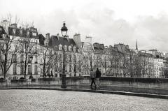 """Pont Marie -   """"So many times told, so many times painted. Magnificent and vain, Paris comes alive again and again under the shelter of the clouds, its footprints and the cobblestone streets.""""  """"Tantas veces contada, tantas veces pintada. Magnífica y vanidosa, Paris cobra vida una y otra vez bajo el cobijo de las nubes, de sus huellas y de las calles empedradas."""""""