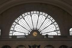 Gare de l'Est - English:   Interior of train station