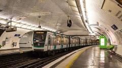 Métropolitain, station Nation - Français:   MF01 n°167 à Nation