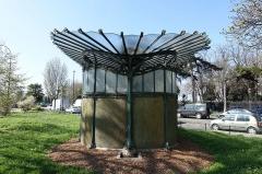 Métropolitain, station Dauphine -  Metropolitain entrance by Hector Guimard @ Porte Dauphine @ Paris