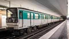 Métropolitain, station Kléber - Français:   MP73 n°6501 à la station de métro Kléber.