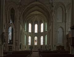 Eglise Saint-Mathurin - English:   Choir and apse.