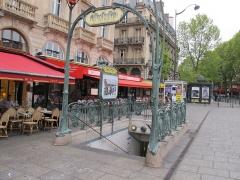 Métropolitain, station Saint-Michel - Čeština:  Station Saint-Michel, Paris