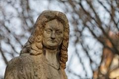 Hôtel des Invalides -  Statue de Vauban, pierre, Square Santiago-du-Chili, Place Salvador-Allende (ancienne Place Santiago-du-Chili), VIIe arrondissement, Paris, France.