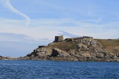 Fort de l'île aux Moines, dans l'archipel des Sept-Iles - Français:   Sept-Îles - Fort des Sept-Îles