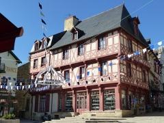 Maison du 15e siècle - Français:   Maison, 1 rue Olivier de Clisson à Josselin