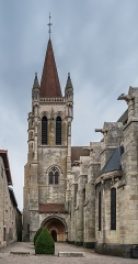 Eglise Notre-Dame - English:  Bell tower of the Our Lady church in Aigueperse, Puy-de-Dôme, France