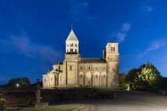 Eglise Saint-Nectaire - Deutsch:   Église Saint-Nectaire le soir