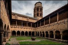 Ancienne abbaye Saint-André-de-Lavaudieu - Français:   Cloître de l\'abbaye de Lavaudieu, le seul cloître roman intact d\'Auvergne.