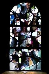 Eglise Saint-Jean-Baptiste - Français:   Volcans  (L 140 x H 235)  Vitrail en dalle de verre et joint minéral Henri GUÉRIN – 1966 Église Saint-Jean-Baptiste - Retournac (Haute-Loire)  cliché de Jean-Pierre Farcy 2009