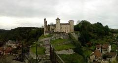 Ancien château ou château de Laroque -  Photo prise du rocher de la vierge