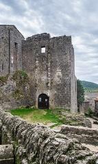Donjon et les restes du château - English:  Commandery Castle in la Couvertoirade, Aveyron, France