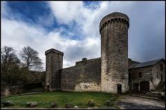 Anciens remparts - Français:   La Couvertoirade est un village du causse du Larzac fortifié par les Templiers au XIIe siècle, puis par les Hospitaliers après 1314.