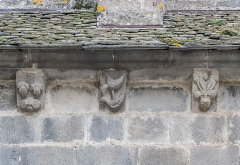 Eglise Saint-Thomas-de-Cantorbéry - English:   Corbels of the Saint Thomas Becket church in Mur-de-Barrez, Aveyron, France