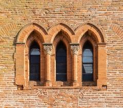 Eglise Saint-Jacques - English:  Windows of the Saint James the Greater church in Muret, Haute-Garonne, France