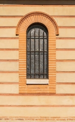 Eglise Notre-Dame - English:  Window of the Our Lady church in Saubens, Haute-Garonne, France