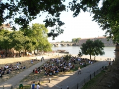 Pont-Neuf qui assure à la R.D. 124 le franchissement de la Garonne -  Pont-Neuf de Toulouse
