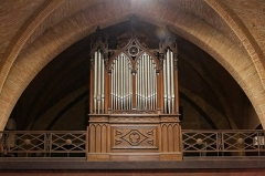 Eglise -  Grandstand pipe organ.