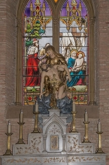 Eglise -   Altar of Virgin of Compassion, stained glass window of Deposition of the cross  n.b: Henri-Louis-Victor, Louis and Gabriel Gesta are sons of Louis-Victor Gesta working in the company